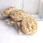 Украшения ручной работы. Ярмарка Мастеров - ручная работа Заколка для волос с цветами. Бежевый букет. Handmade.