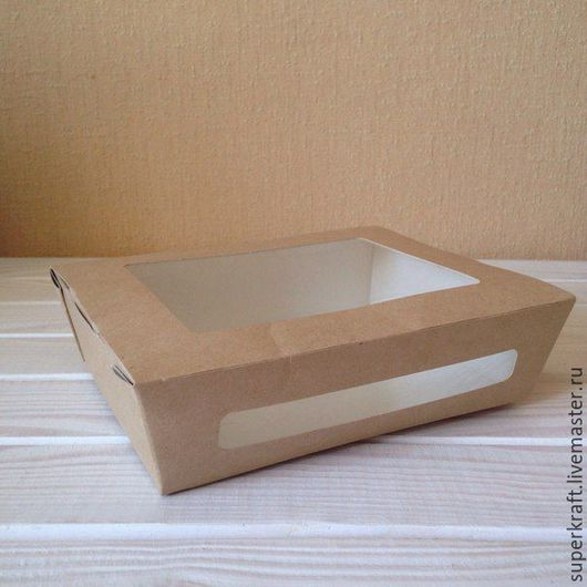Коробочка в закрытом виде.  Заметно, что дно чуть меньше по размеру чем верхняя часть.