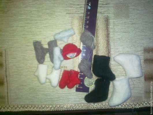 Одежда для кукол ручной работы. Ярмарка Мастеров - ручная работа. Купить Валенки и варежки сувенирные.. Handmade. Серый, аксессуары