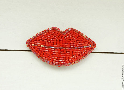 Броши ручной работы. Ярмарка Мастеров - ручная работа. Купить Губы Брошь бисера Вышитая брошь губы 'Kiss-Kiss'. Handmade.