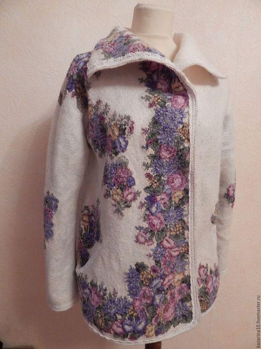 """Верхняя одежда ручной работы. Ярмарка Мастеров - ручная работа. Купить Валяная курточка """"Весна"""". Handmade. Белый"""