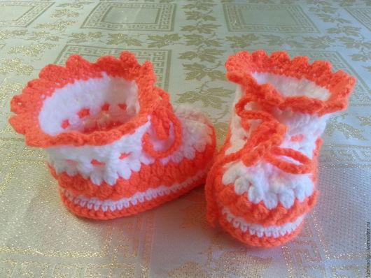 """Для новорожденных, ручной работы. Ярмарка Мастеров - ручная работа. Купить Пинетки для малышей из серии """"Гламурчики"""" оранжево-белые. Handmade."""