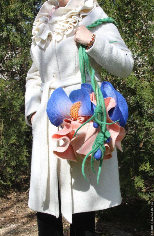 Женские сумки ручной работы. Ярмарка Мастеров - ручная работа. Купить Арт-сумочка Ирис - Нежный (валяная). Handmade. вискоза