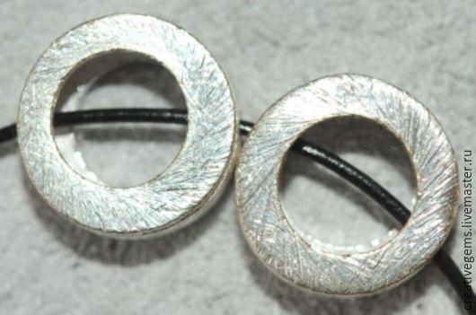 Цена указана за 2 бусины артикула 8716. Просьба при заказе уточнять цену на другие артикулы. Покрытие - серебро 925 пробы.