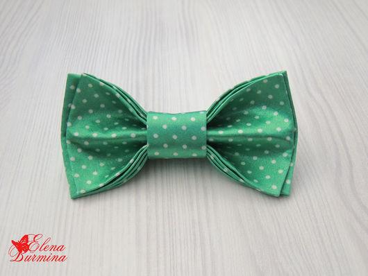 Галстуки, бабочки ручной работы. Ярмарка Мастеров - ручная работа. Купить Бабочка галстук зеленая в мелкий горошек, атлас. Handmade.