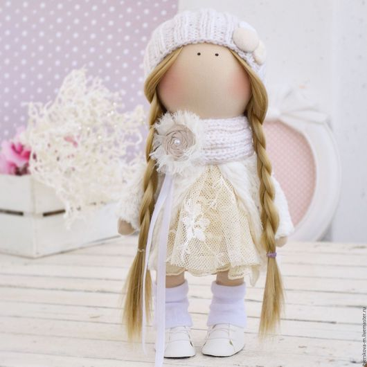 Коллекционные куклы ручной работы. Ярмарка Мастеров - ручная работа. Купить Интерьерная кукла снежка-большеножка (по мотивам Т. Коннэ). Handmade.