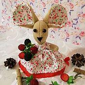 Мягкие игрушки ручной работы. Ярмарка Мастеров - ручная работа Мышка с ягодами. Handmade.