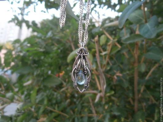 кулон серебряный , серебряный кулон с топазом,  кулон серебро с камнем, кулон с топазом, кулон голубой камень, подарок девушке, кулон wire wrap, wire wrap, wire work, кулон с топазом в серебре