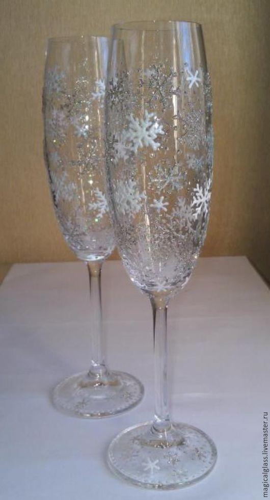 """Бокалы, стаканы ручной работы. Ярмарка Мастеров - ручная работа. Купить Бокалы для шампанского богемское стекло """"Снежинки"""". Handmade. Белый"""