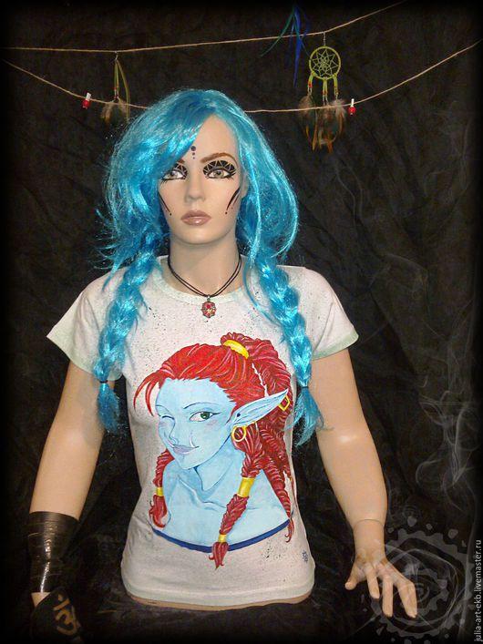 Ручная роспись одежды. Женская футболка с росписью Тролль.