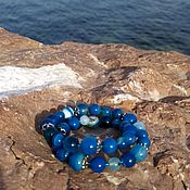 Браслет из бусин ручной работы. Ярмарка Мастеров - ручная работа Браслет из синего полосатого агата. Handmade.