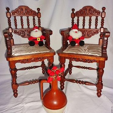 Кукольное кресло, резное (бук).