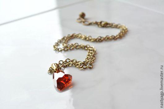 кулон , подвеска , сердце ,красный кулон , кристалл Сваровски ,подвеска на цепочке , подарок ,украшение ,бижутерия ,подарок девушке