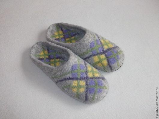 """Обувь ручной работы. Ярмарка Мастеров - ручная работа. Купить Тапочки """"Домашний уют 37"""". Handmade. Серый, тапочки домашние"""