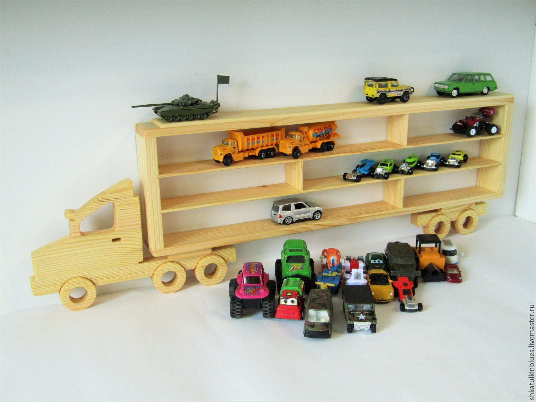 Полка для машинок в виде грузовика