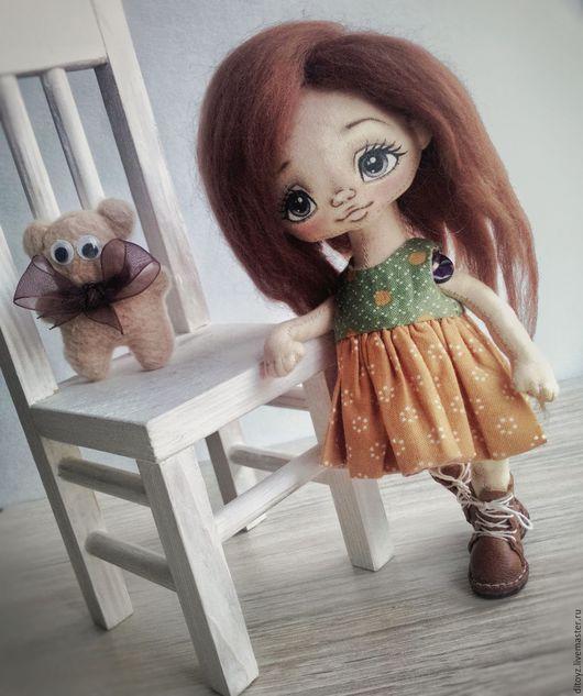 Коллекционные куклы ручной работы. Ярмарка Мастеров - ручная работа. Купить Девочка с мишкой, кукла текстильная, 19 см. Handmade.