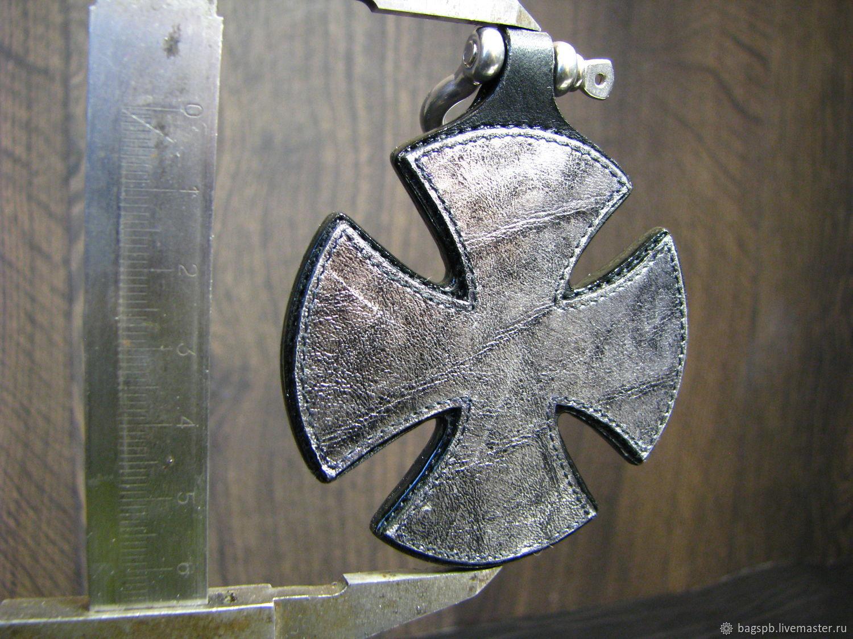 Брелок из кожи Мальтийский крест
