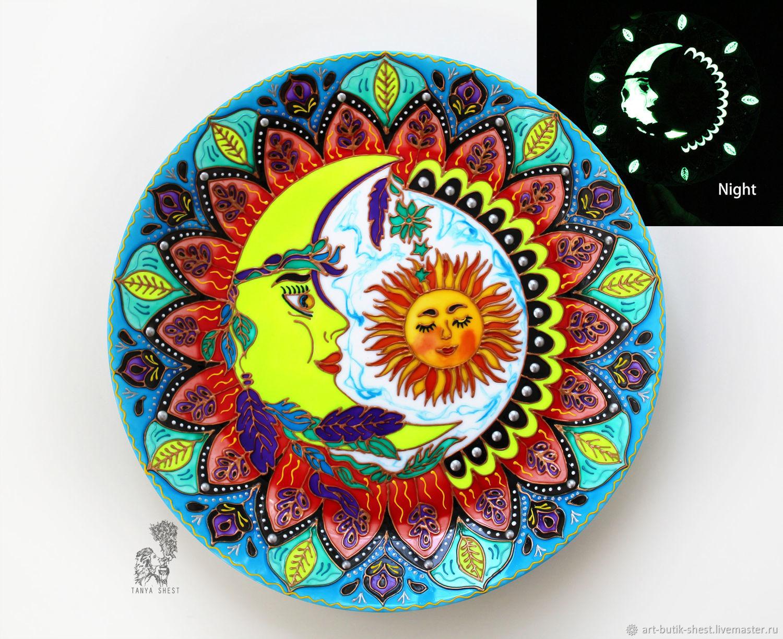 """Тарелки ручной работы. Ярмарка Мастеров - ручная работа. Купить """"Люби как Луна"""" тарелка на стену - светится в темноте. Handmade. Мандала"""