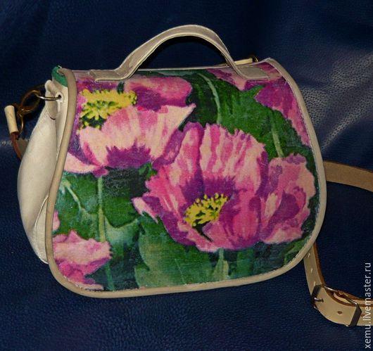 """Женские сумки ручной работы. Ярмарка Мастеров - ручная работа. Купить """"И снова  маки""""- небольшая сумочка через плечо. Handmade."""