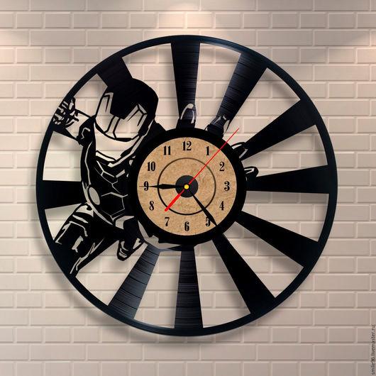 """Часы для дома ручной работы. Ярмарка Мастеров - ручная работа. Купить Часы из пластинки """"Железный человек"""". Handmade. Комбинированный"""