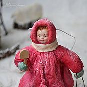 Подарки к праздникам ручной работы. Ярмарка Мастеров - ручная работа Ватная елочная игрушка ДЕВОЧКА С ЛОПАТКОЙ. Handmade.
