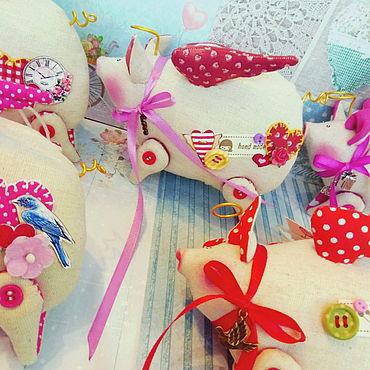 Куклы и игрушки ручной работы. Ярмарка Мастеров - ручная работа Свинка-валентинка )   подвесной сувенир. Handmade.