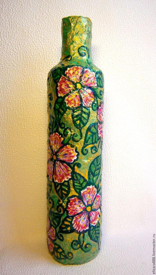 Эта яркая ваза с растительно-цветочным мотивом поднимет настроение даже в хмурый пасмурный день!:) Насыщенные зеленые, золотые и розовые цвета добавят живости в любой интерьер! Высота Вазы- 28 см.