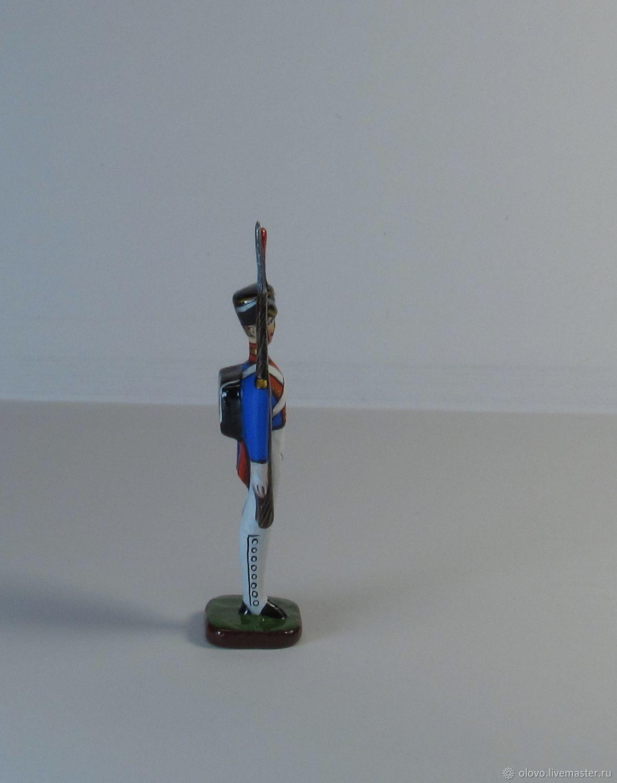стойка оловянного солдатика картинки иные