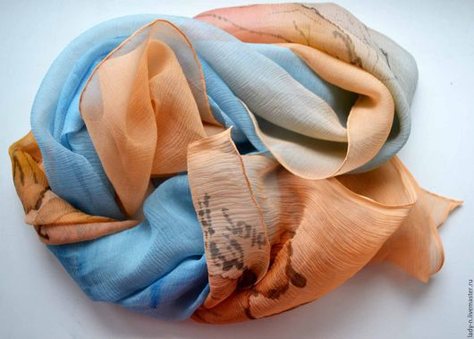 Шарф `Осенний ковёр`, батик, шелк, жатый шифон