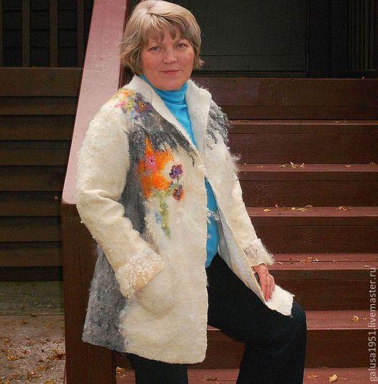 """Верхняя одежда ручной работы. Ярмарка Мастеров - ручная работа. Купить Валяное пальто """" Первый снег"""". Handmade. Белый"""