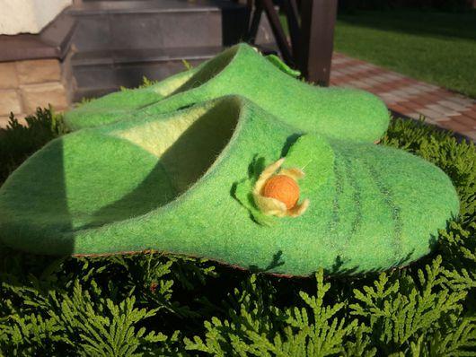 Обувь ручной работы. Ярмарка Мастеров - ручная работа. Купить Тапочки валяные женские зеленые. Handmade. Тапочки ручной работы