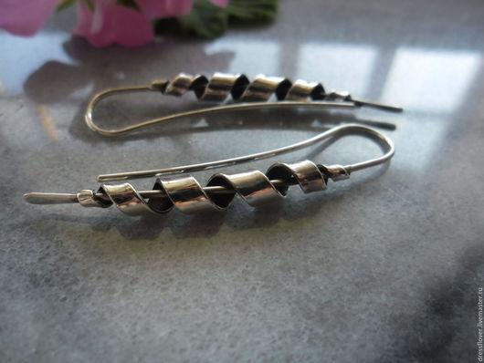 Лаконичные серьги из серебра в стиле минимализм Винтовые огурцы.