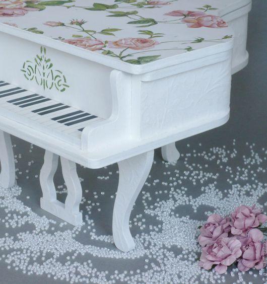 Рояль шкатулка `Розы на снегу`. Украшения и аксессуары ручной работы от Сороки.