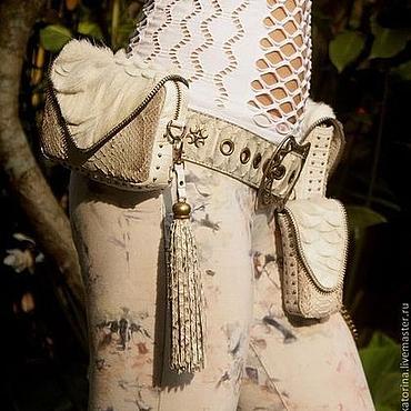 Сумки и аксессуары ручной работы. Ярмарка Мастеров - ручная работа Комплекты сумок на поясе из питона белые. Handmade.