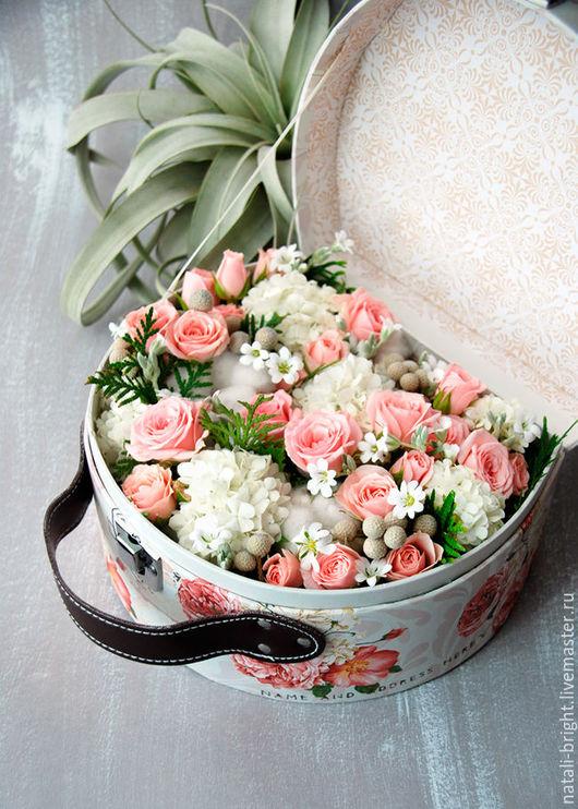 Коробка с цветами Сундучок