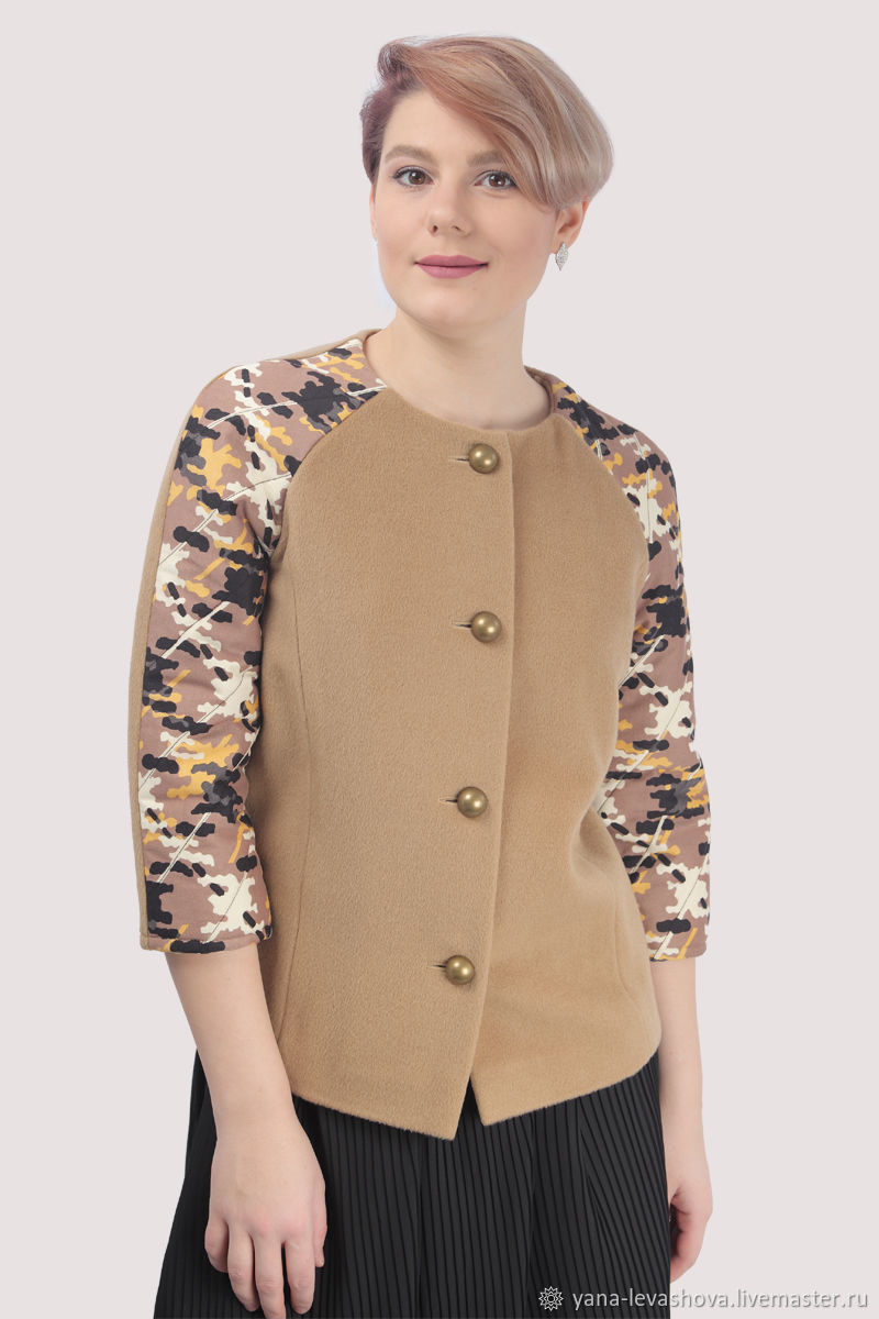 Short cashmere beige coat with military trim, Coats, Moscow,  Фото №1