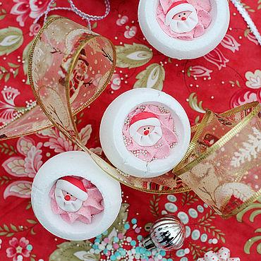 """Косметика ручной работы. Ярмарка Мастеров - ручная работа Шарик-десерт для ванны """"Дед Мороз"""". Handmade."""