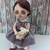 Куклы и пупсы ручной работы. Ярмарка Мастеров - ручная работа Текстильная интерьерная кукла ручной работы с игрушкой медведем. Handmade.