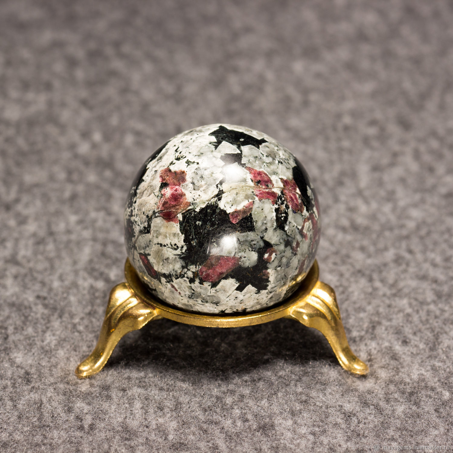 Ball eudialyte No. №3, eudialyte ball, Loparskaya blood, the blood of the Saami. ball, Fortune telling stones, St. Petersburg,  Фото №1