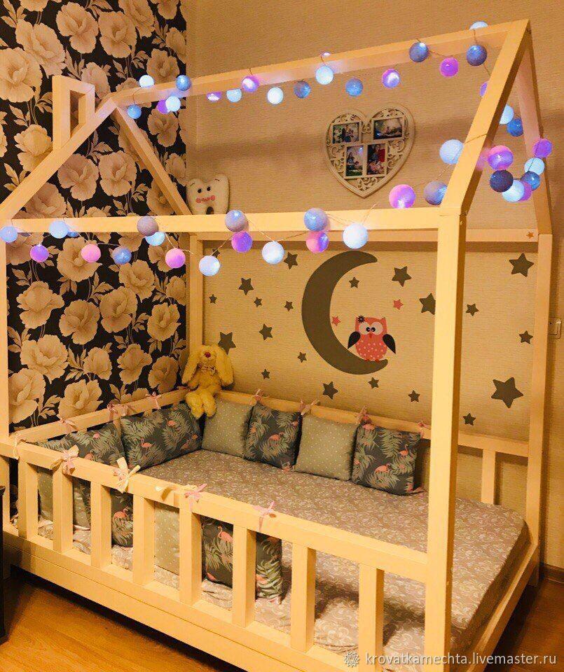 Кроватка из массива сосны. Выполнена на заказ для малышки Сони. Размер спального места 170/110см.