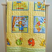 """Для дома и интерьера ручной работы. Ярмарка Мастеров - ручная работа Лоскутное одеяло """"Мишка учится считать"""" лоскутный плед. Handmade."""