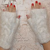Аксессуары handmade. Livemaster - original item Mitts, knitted womens feather, women`s mittens, mitts, knitted. Handmade.