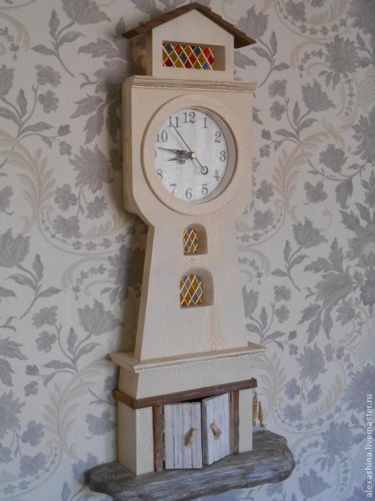 Часы для дома ручной работы. Ярмарка Мастеров - ручная работа. Купить Часы маяк со стеклом. Handmade. Бежевый