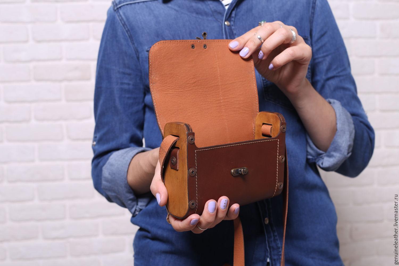 581adc78aa0c Купить Женская кожаная сумка с · Женские сумки ручной работы. Женская  кожаная сумка с деревянными вставками.
