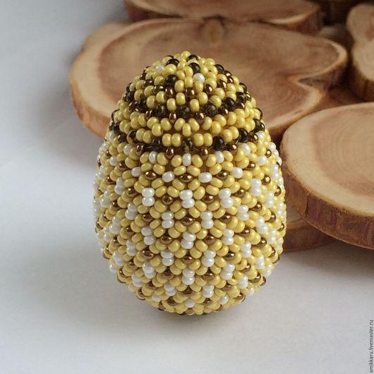 Яйца ручной работы. Ярмарка Мастеров - ручная работа. Купить Пасхальное яйцо из бисера желтое. Handmade. Желтый