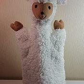 """Кукольный театр ручной работы. Ярмарка Мастеров - ручная работа Кукольный театр:  перчаточная игрушка овечка """"Мила"""".. Handmade."""