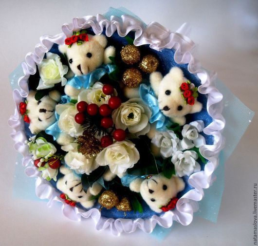 Букет из игрушек мишек Комплимент
