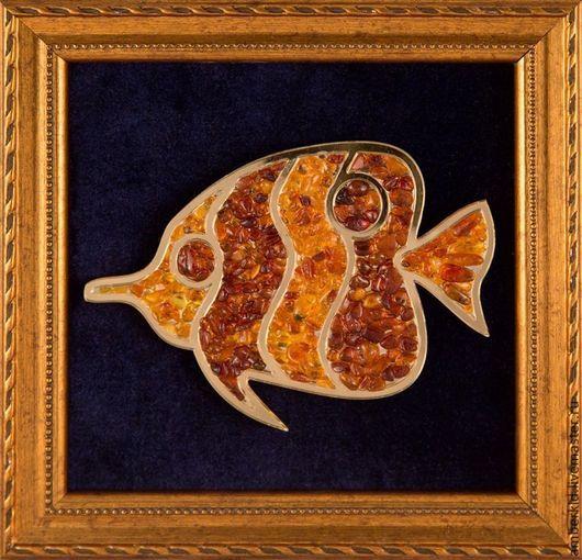 Рыбы, как и их стихия - вода, являются символом изобилия! Панно Янтарная рыбка будет стимулировать  денежную  удачу!  Коллекция из 3 рыбок прекрасно оживит интерьер!