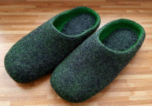 """Обувь ручной работы. Ярмарка Мастеров - ручная работа. Купить Тапочки """"Изумруд"""". Handmade. Тапочки ручной работы, подарок мужчине"""
