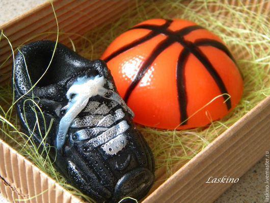 Подарочные наборы косметики ручной работы. Ярмарка Мастеров - ручная работа. Купить Подарочный набор мыла БАСКЕТБОЛ (мяч, кроссовки), сувенирное.. Handmade.